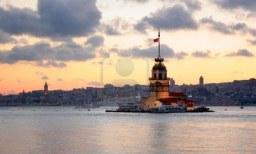 5271794-maiden-torre-istanbul-bosforo